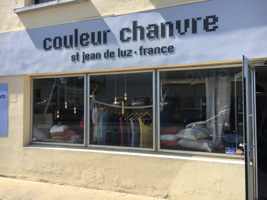 Visite de la boutique /atelier Couleur Chanvre lors de la 1ère rencontre UFDI au Pays Basque.