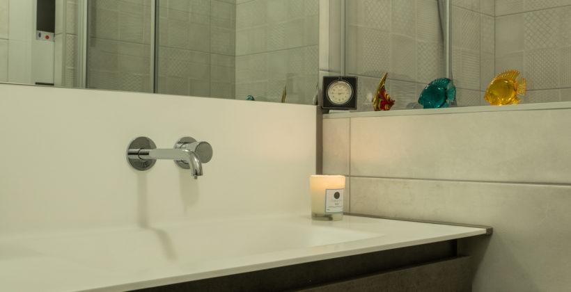 Rénovation d'une salle de bain à Guéthary, Nouvelle décoration intérieure