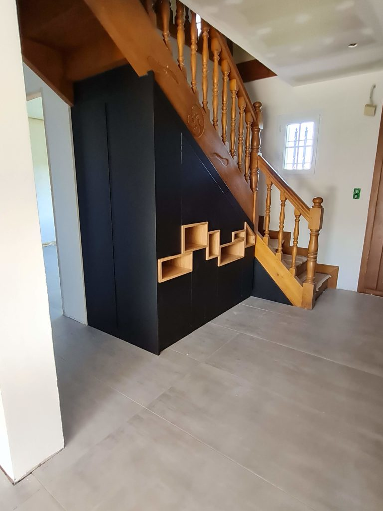 Réalisation sous escalier sur mesure Anhaux en cours